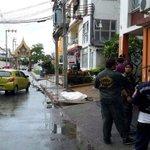 RT @nuttapong_Rw: ศพชายวัย21ปีถูกยิงในซ.วัดศรีบุญเรืองถ.รามคำแหง จนท.กำลังดำเนินการ (ภาพจากร่วมกตัญญู) http://t.co/8HHeRD0kTK