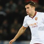 Man Utd manager Louis van Gaal targets Kevin Strootman for £25m move. By @MOgdenTelegraph http://t.co/ZJwJqKPP8x http://t.co/YgxcCUMvOc