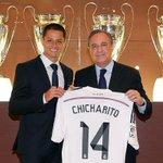 #Chicharito ya firmó contrato con el Real Madrid y recibió camiseta con el N°14 http://t.co/fqoZ93yGpw