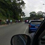 Vía: @EspiritudU #1S Continua trancada La Panamerica http://t.co/ij6MYpd7dH