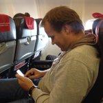 RT @hansen_vegard: Hansi er opptatt i dag. Nekter å si hvor Martin er og kan ikke avkrefte at han er i Manchester. #2pl http://t.co/2iiKsMjSGH