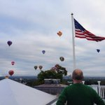 RT @BruceAHeyman: Watching the hot air #gatineau #balloon #festival from the roof of the residence. #ottawa http://t.co/qDovfUyXMX