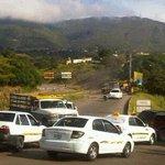 """RT @lilianabruney: #1S Trancada vía San Cristóbal - La Fría en protesta por el captahuella http://t.co/hhFTBhSwiw""""@GenPenaloza @ChuoTorrealba @cnnee"""