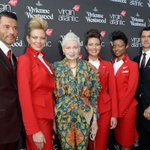 【今日から】ヴィヴィアン・ウエストウッドがデザインした新制服を英国航空会社ヴァージン アトランティック航空が導入 http://t.co/ESNN9nPc4O http://t.co/OUVVwh0kLb