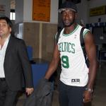 Yatabare hafta içi basket takımında hafta sonu futbol takımında oynayacak. Çok yönlü oyuncu. http://t.co/8ueHFUHcjc