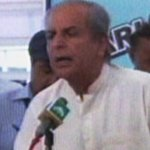 RT @dawn_com: Imran told us that new CJ would listen to our demands: Javed Hashmi http://t.co/JQlgrdUtjQ http://t.co/nlfjFK9hfZ