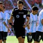 <VIDEO> El peor arbitraje del fin de semana perjudicó a Racing en el clásico con Independiente http://t.co/uCwjfem9eP http://t.co/FfmDjUREsQ