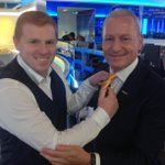 You know its #SkyDeadlineDay when @JimWhite is wearing his yellow tie! #SSNHQ http://t.co/Vy8qTPZXvM