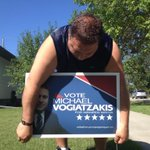 RT @lindsaytsuji: Mike Vogiatzakis putting out signs near Garden City. #cbcmb http://t.co/qFANMEIXzJ