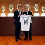 ¡CHICHARITO AL REAL MADRID! Javier Hernández deja al @ManUtd y llega al mejor club de Europa. ¡Orgullo Mexicano! http://t.co/i9HEuFIMzq
