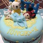 RT @WarmStar_JK: 그리고 생일케이크..???? #HappyKookieDay @BTS_twt 시간이 참 빠르네!ㅜㅜ 다시한번 정국이 생일 촉하해요!!! http://t.co/jsp4eraGij
