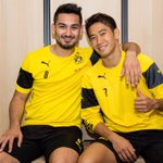 クロップの表情ww RT @BVB: Der erste Trainingstag mit Shinji // @S_Kagawa0317s first training session in Dortmund #bvb http://t.co/epAQHYU2O3