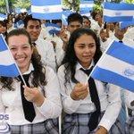 RT @presidencia_sv: Jóvenes de distintas instituciones educativas participan en la inauguración del Mes Cívico #SomosElSalvador http://t.co/6c3S7hAHSk