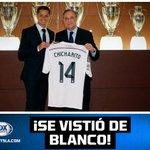 RT @FOXSports_norte: ¡Chicharito fue presentado con el Real Madrid! Mira las imágenes del nuevo jugador merengue: http://t.co/WIwwlRI0nZ http://t.co/0teO2ykrub