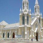 Margariteños celebran bajada de la Virgen del Valle http://t.co/qp1nBT70eH http://t.co/8Z2XCep8gv