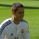 RT @sopitas: La primera foto de Chicharito con la camiseta del Real Madrid!!! http://t.co/unM8xBERGS http://t.co/dw2b1CMFB9