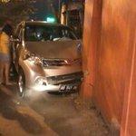 RT @mbahKJogja: skitar jam 21:00 tadi Laka Tunggal Xenia AB 1949 QN nabrak tembok didpn palm Jl Batikan #jogja l Via Cak Sidik- #ICJ http://t.co/hkcUcXSZbW