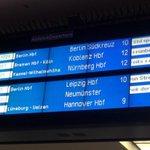 Nicht nur die S-Bahn, sondern auch der Fernverkehr ist von den Streiks betroffen. #Bahnstreik #Altona http://t.co/p0tzm2EXH3