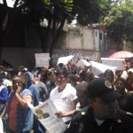 RT @i_anngie: Acarreados de Cuauhtémoc Gutiérrez de la Torre nos acorralan en el IEDF @AristeguiOnline http://t.co/6i2LLo9SV9