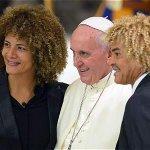 """El @PibeValderramaP ya está en el Vaticano para el """"Partido por la Paz"""" de carácter interreligioso. http://t.co/GlF5gQL5Yj"""