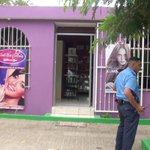 RT @canaltn8: Mujer con pistola en mano roba en salón #Nicaragua http://t.co/LJifkO3Ycu http://t.co/fJNmtAfpxC