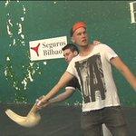 RT @eitbNoticias: VÍDEO: #Bilbao enseña a los extranjeros un poco de la cultura vasca #BasketballWorldCup http://t.co/s4sq1IncGR http://t.co/E2DUEkTXM8
