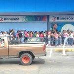 RT @ResisteAragua: #Maracay Tu pones la Huella quien los PRODUCTOS? Cola en San Diego del Global por leche. 01 9. @MARACAYACTIVA http://t.co/Bhtv1jO1OJ