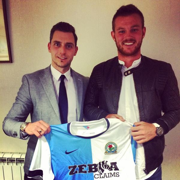 James Grant player @RyanTunnicliffe signs for #Brfc on a season long loan from #Ffc http://t.co/y9ProBewC9