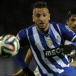 OFICIAL | Nabil Ghilas, nuevo jugador del Córdoba C.F. Delantero internacional del Oporto de 24 años. ¡Habemus 9! http://t.co/3ppWS1cTG3