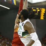 RT @ACBCOM: El taponazo de @PauGasol a Nené (Foto @baloncestofeb). Puro show #Spain2014 http://t.co/RNCx6B6J6P