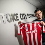 RT @DeadlineDayLive: Photo confirmation of Oussama Assaidis loan move to Stoke City. (Source: @stokecity) http://t.co/rfPAnTkmHv