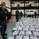 RT @CP24: Peru police display record 7.7-ton cocaine haul http://t.co/u0gW0jiBsx http://t.co/kudjLKfx4b
