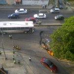 """LOS MALDITOS DE LA POLICIA NOS DISPARO CON ARMAS DE FUEGO : #Valencia #1S Av. Michelena http://t.co/m9Js6fRDBi"""""""
