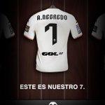 RT @elchiringuitotv: OFICIAL: El Valencia FICHA a Álvaro Negredo. #ElChiringuitodeNeox http://t.co/6AYdgiosPf