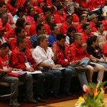 #patetico RT @globovision: Chavistas hacen su propia versión del Padre Nuestro http://t.co/PNk32g6CTe http://t.co/gQux5FFAMQ