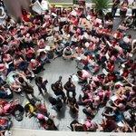 RT @SoneVIETNAMs: SONEs at NoiBai Airport recently by Press http://t.co/PtdvEdYVkf