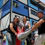 #TROPA. @DiarioContraste: GNB desaloja familias de la Misión Vivienda: (Imagenes fuertes) http://t.co/ZcvnwxKd98 http://t.co/4khaAMoft8