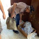 """#CubaReal """"Yo recojo latas que dejan los turistas y con eso vivo"""" - Jubilado estatal #Cuba http://t.co/bjcYgwOHnn"""