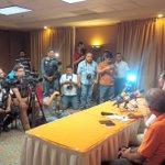 Presentación de @dtAlex_Aguinaga como nuevo Estratega de @CFCorrecaminos #YoSoyNaranja http://t.co/ETiPw7CZ7G