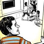 #Mumbai: Man discovers thieves looting his house, locks them inside http://t.co/cvMWpd7Qdk http://t.co/CNPcjRAKcT