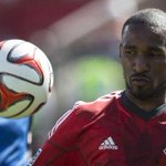 Jermain Defoe stays, Toronto FC and @MLS dodge bullet, says @SmithRaps in his latest column. http://t.co/gkdUPRQP46 http://t.co/RrrAskdPZ3