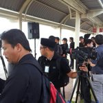 MH17: Members of the press await the arrival of remains of Fan Shun Po and Loh Yan Hwa at Penang Airport. http://t.co/4m6HbZ7ag6