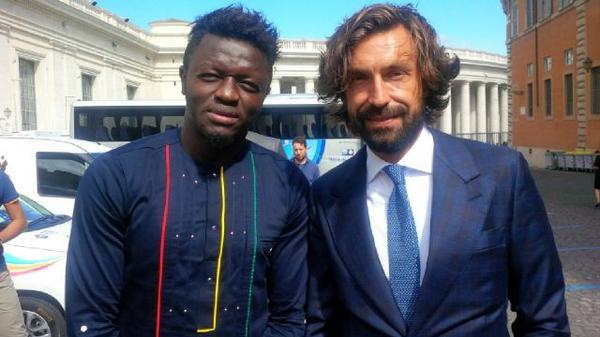 RT @Starsonfield: #matchforpeace #SulleyMuntari #AndreaPirlo @MuntariOfficial @Pirlo_official http://t.co/kBEg3USuUV