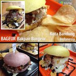 Taruwit, skrg tim @infobdg lg nyicip bakpao burgeur @bageur_bdg nih. Tunggu reviewnya di http://t.co/8IM0FDPef8 ya! http://t.co/HPKiXv2DbH