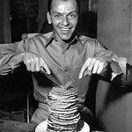 Frank Sinatra with pancakes http://t.co/JO7fyUgkum
