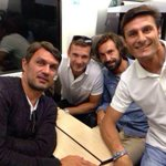 RT @ayshardzn: Too many hotness and legends in one photo. ???? http://t.co/q23fRSy9YN