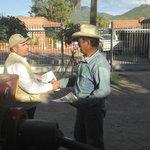 Informando a través de la edición #notasdelrio con #ManosSolidarias @guillermopadres @rromerolopez @netomunro #066 http://t.co/CLliTIO9N2