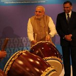 Bring out the big drums: Modi hits his groove with the Tatas in Japan http://t.co/sYfv2vQjiV http://t.co/WDoD8C6KRu
