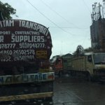 RT @PragGargatte: Heavy Veh jam up main roads in Peak hours 15 mins stand still for this shit @TrafflineMUM @smart_mumbaikar http://t.co/QfujPGIo9l