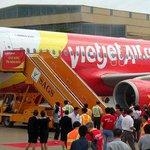 RT @tuoitrenewsvn: Plane returns to Hanoi airport due to landing gear failure http://t.co/a6lLFqsIYs http://t.co/v5jZKR50DL